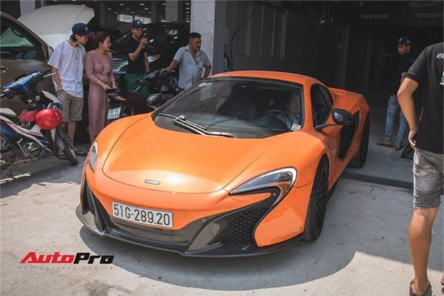 Siêu xe McLaren 650S sở hữu màu sơn giống với của Minh Nhựa dạo phố Sài Thành - Ảnh 2.
