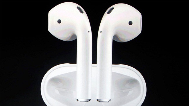 Nhà cung ứng Apple Airpods chuyển dây chuyển sản xuất từ TQ sang Việt Nam để tránh cuộc chiến thương mại Mỹ - Trung. (Ảnh: Nikkei)