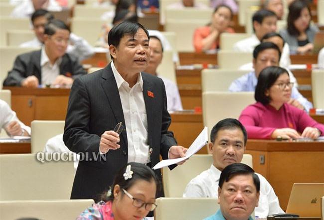 """Bộ trưởng Bộ Nông nghiệp và Phát triển nông thôn Nguyễn Xuân Cường trả lời chất vấn về """"thẻ vàng'' EU áp dụng với thủy sản Việt Nam."""