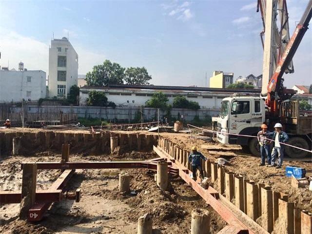 Dự án High Intela đến thời điểm hiện tại vẫn chưa xây dựng xong phần móng (Ảnh: CĐ)