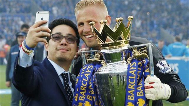 Thiếu gia Aiyawatt Srivaddhanaprabha là người trực tiếp điều hành CLB Leicester City và rất được các cầu thủ quý mến