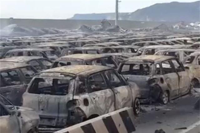 Hàng trăm xe Maserati cháy trơ khung tại Italy, lỡ hẹn xuất khẩu - Ảnh 2.