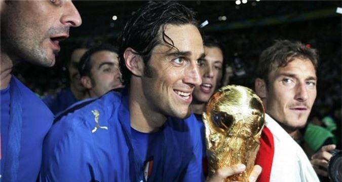 Cựu tuyển thủ Ý đi tù vì làm… mafia - ảnh 2