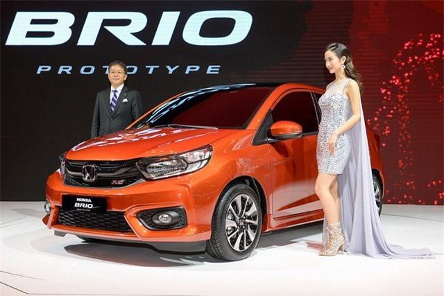 Người Việt phải 'dài cổ' chờ xe giá rẻ Honda Brio 2018. Người dùng Việt sẽ phải chờ đợi tới năm 2019 mới có thể có cơ hội sở hữu mẫu xe ô tô giá rẻ của Honda. (CHI TIẾT)