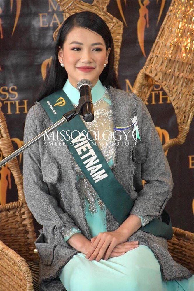 Showbiz 1/11: Hoa hậu Đỗ Mỹ Linh chính thức thành MC VTV24 - ảnh 1