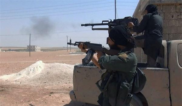 """Syria: Giao tranh dữ dội ở Aleppo, hai nhóm khủng bố đối thủ """"chịu trận"""""""