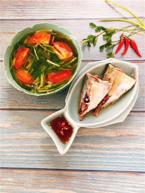 Canh cá ngân nấu ngót