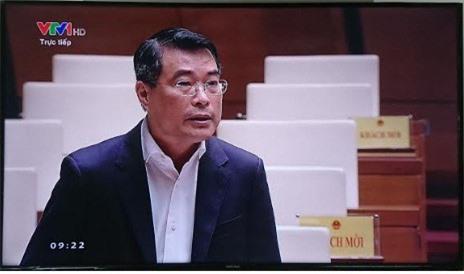Thống đốc Lê Minh Hưng trả lời chất vấn trước Quốc hội, sáng 1/11/2018.