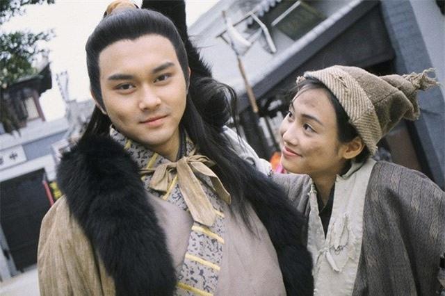 Trương Trí Lâm (trái).