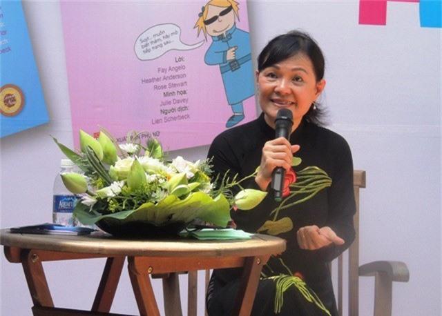 Bác sĩ Nguyễn Lan Hải trong buổi chia sẻ với giới trẻ quanh chủ đề tình yêu, tình dục