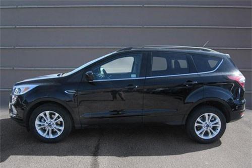 6. Ford Escape (doanh số: 20.515 chiếc).