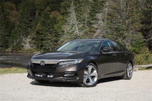 7. Honda Accord (doanh số: 23.778 chiếc).