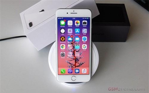 """Apple bắt đầu bán iPhone 8 tân trang với giá """"hời"""""""