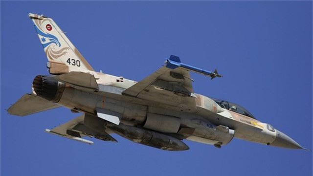 Một máy bay chiến đấu F-16 của Israel (Ảnh: RT)
