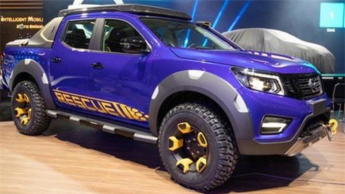 Nissan Frontier Sentinel nổi bật với màu xanh dương