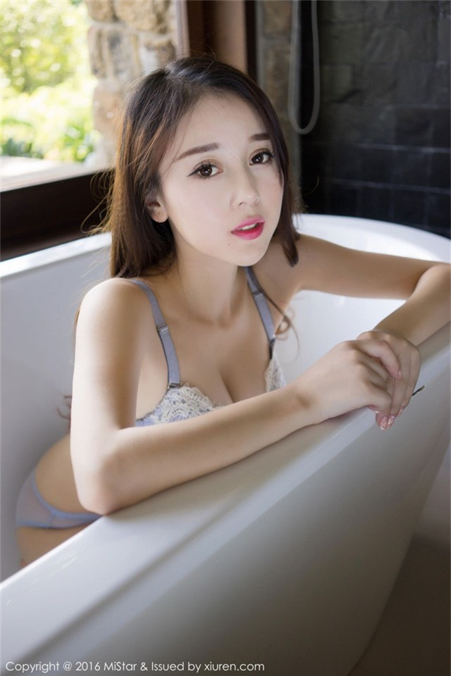 Chảy máu mũi cuối tuần với vẻ nghịch ngợm và ngây thơ chết người của cô nữ sinh Zhao Xiaomi - Ảnh 19.