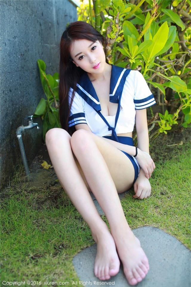 Chảy máu mũi cuối tuần với vẻ nghịch ngợm và ngây thơ chết người của cô nữ sinh Zhao Xiaomi - Ảnh 2.
