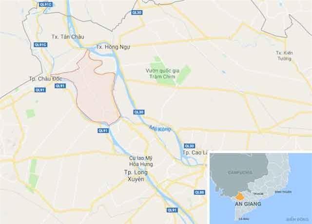 Huyện Phú Tân (khoanh đỏ), nơi hai nữ sinh bị xâm hại. Ảnh: Google Maps.