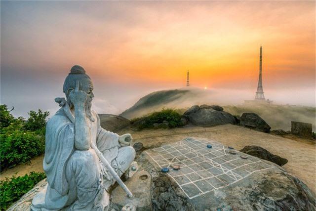 Ảnh Bình minh trên đỉnh Bàn Cờ của Nguyễn Trung Thu