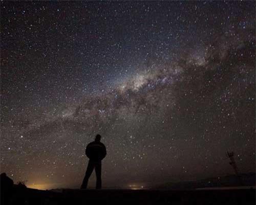 Dải ngân hà hiện rõ trên bầu trời đêm. NASA