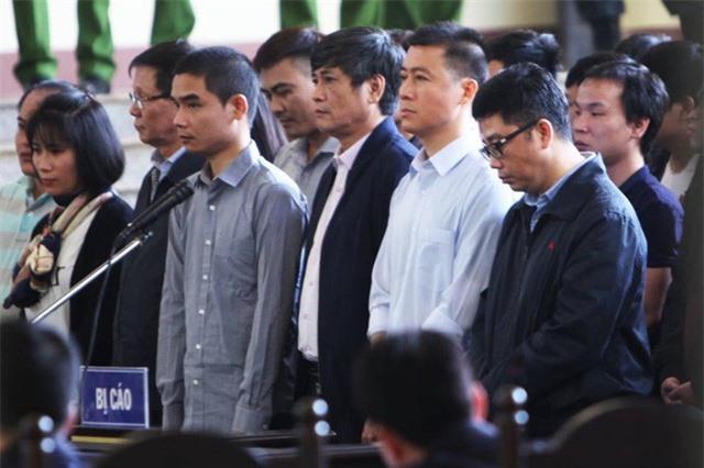 Bộ ba tạo thế chân kiềng ( Phan Văn Vĩnh- Nguyễn Văn Dương - Nguyễn Thanh Hóa) hội tụ tại tòa