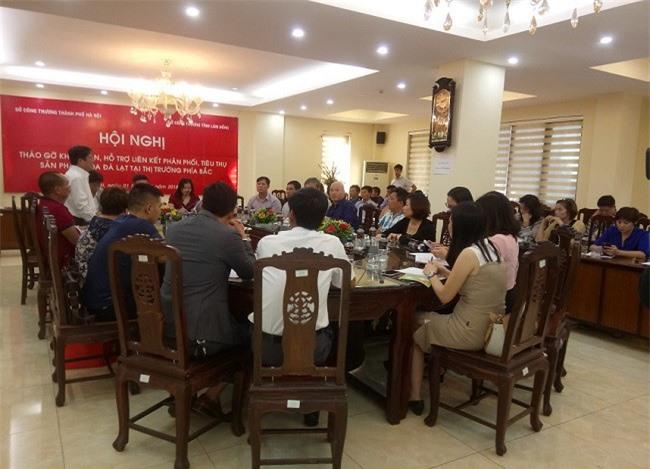 """Lâm Đồng - Hà Nội ngồi lại với nhau tìm hướng """"buôn"""" hoa bền vững (Ảnh: Sở Công thương Lâm Đồng)"""