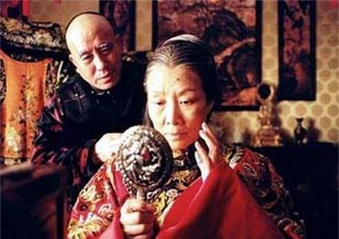 Vô tình nhìn thấy nhan sắc thật của Từ Hy Thái hậu, thái giám cung nữ chịu kết cục bi thảm - Ảnh 3.