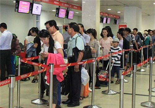 Sân bay Tân Sơn Nhất, nơi đang giữ vị hành khách không có giấy tờ tùy thân. Ảnh minh họa: Đoàn Loan