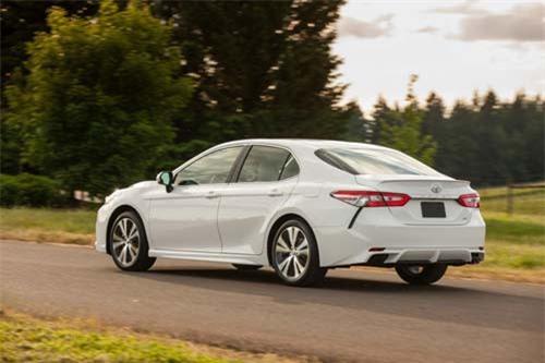 2. Toyota (doanh số: 1.130 chiếc).