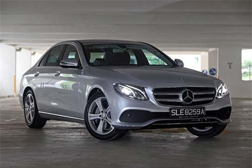 4 Mercedes-Benz (doanh số: 491 chiếc).