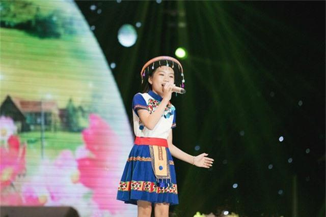 Cô bé Bảo Anh.