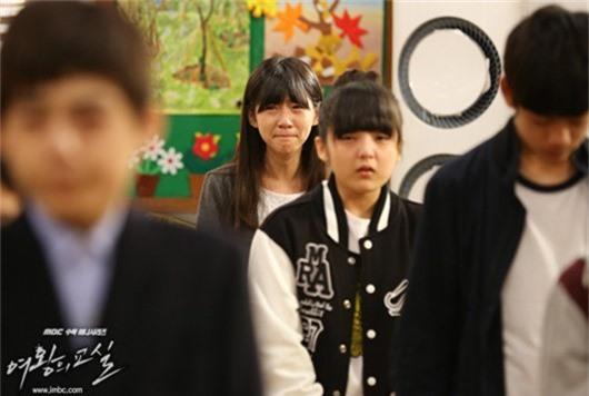 5 giáo viên hắc ám trong suy nghĩ của lũ học trò là mọt phim châu Á - Ảnh 10.