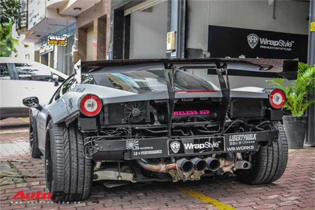Dàn siêu xe Ferrari rủ nhau đi làm đẹp tại Sài Gòn - Ảnh 3.