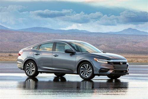 3. Honda Insight 2019 (giá khởi điểm: 23.725 USD).