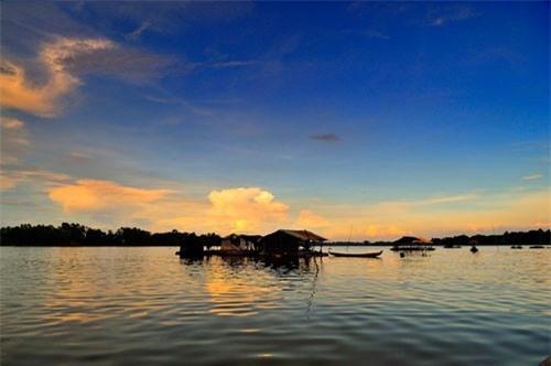 Nó gồm 2 hồ nước là Búng Lớn và Búng Nhỏ. Ảnh: Diem Dang Dung.