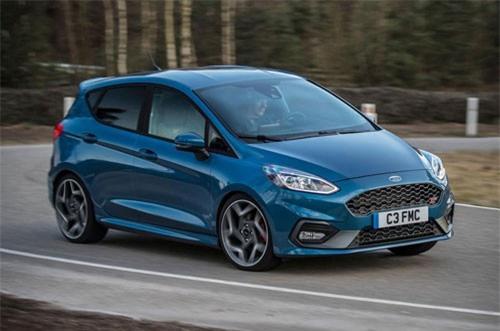 10. Ford Fiesta ST 2018 (giá khởi điểm: 21.285 USD).