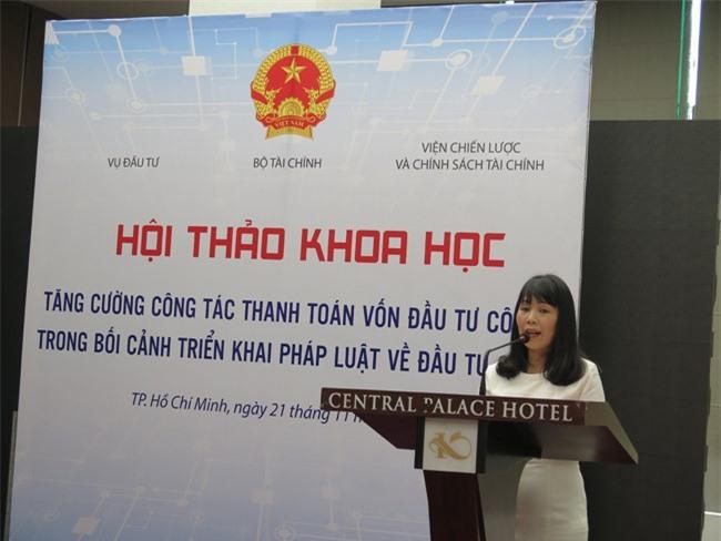 Bà Lương Thị Hồng Thúy cho rằng nguyên nhân chậm giải ngân là do vướng 4 luật (ảnh LK)