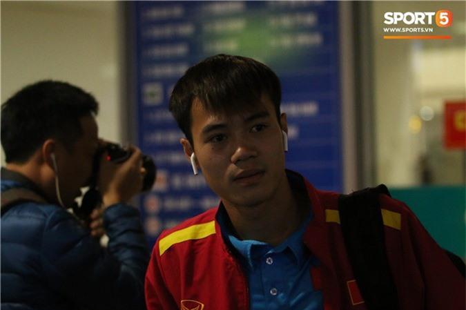Vừa về tới Việt Nam, Xuân Trường muốn yên tĩnh nhưng Đức Chinh thì tìm mọi cách trêu chọc cho bằng được-1