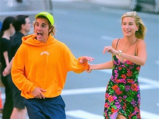 Vừa xa nhau, Hailey Baldwin đã mong gặp Justin Bieber vào Giáng sinh - Ảnh 1.