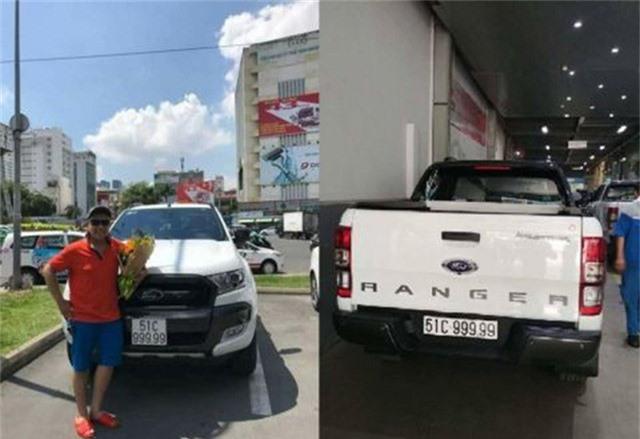 Vào ngày 21/5 vừa qua, chủ nhân của chiếc bán tải Ford Ranger bản Wildtrak sinh sống tại TP.HCM bấm ngẫu nhiên được biển số ngũ quý 9 chất lừ thu hút sự chú ý của mọi người.