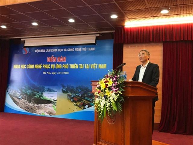 GS.TSKH Nguyễn Đình Công, Phó Chủ tịch VAST phát biểu tại Diễn đàn.