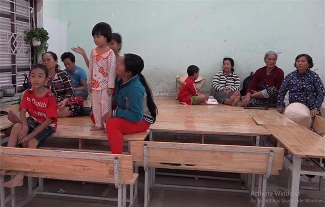 Khánh Hoà đã di dời hàng ngàn hộ dân tại các nơi xung yếu đến ở tạm thời những nơi cao ráo, an toàn (Ảnh: TA)