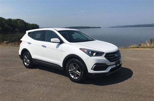 2. Hyundai Santa Fe 2018 (giá khởi điểm: 24.950 USD).
