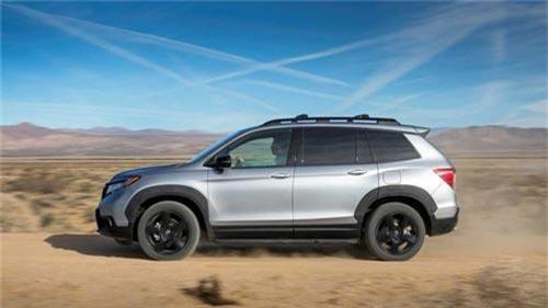 Honda Passport 2019 chính thức ra mắt - Đối thủ của Hyundai Santa Fe. Dòng SUV cỡ trung của Honda là Passport đã chính thức hồi sinh sau hơn 15 năm vắng bóng để đe dọa vị thế của Hyundai Santa Fe. (CHI TIẾT)