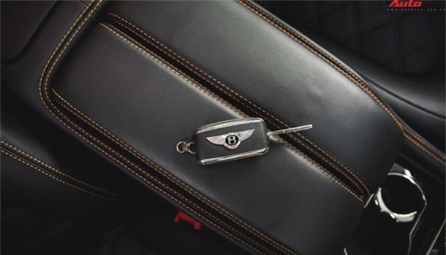 Chạm mặt Bentley Mulsanne bản hiếm, màu độc của đại gia Hà thành - Ảnh 14.
