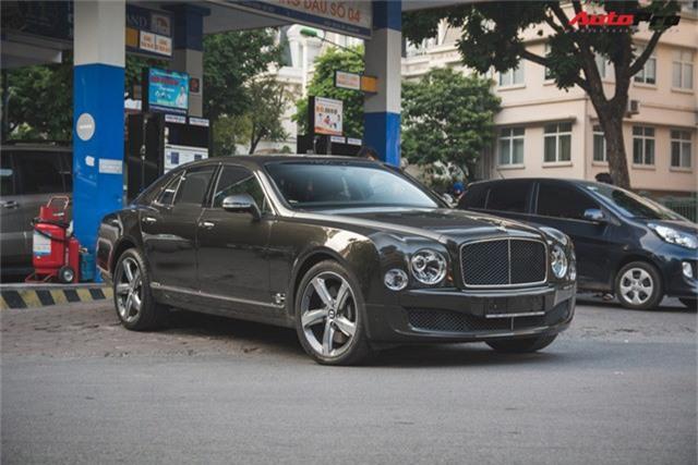 Chạm mặt Bentley Mulsanne bản hiếm, màu độc của đại gia Hà thành - Ảnh 3.