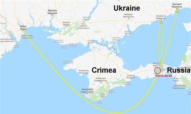 Đường màu vàng mô tả đường di chuyển của nhóm tàu Ukraine (Đồ họa: RT)
