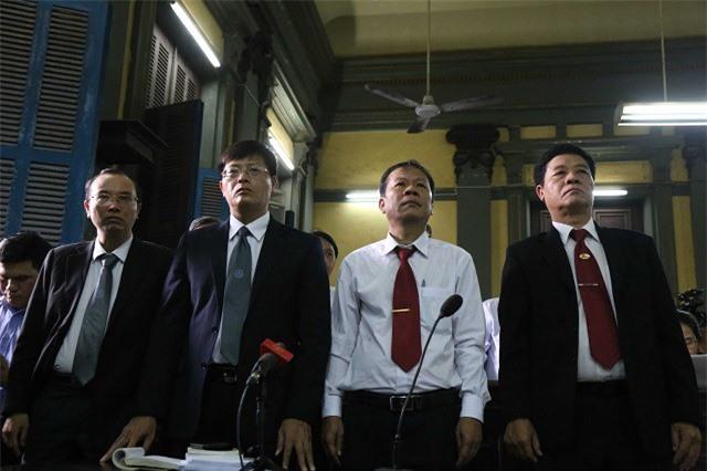 Cả Vinasun và Grab đều đề HĐXX tạm dừng phiên tòa để các bên ngồi lại với nhau đưa ra phương án hòa giải (Ảnh: ĐL)