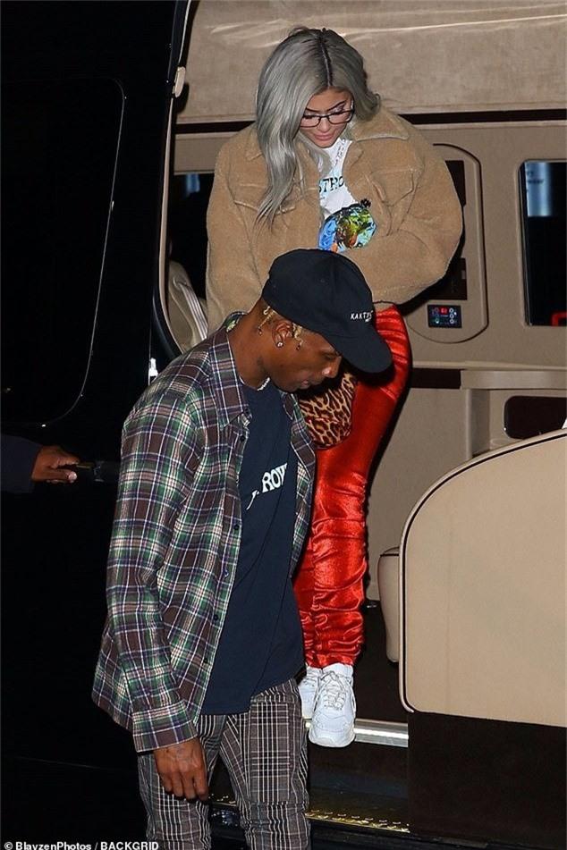 Kylie Jenner và Travis Scott hẹn hò với nhau gần 2 năm và đã có với nhau 1 con gái 9 tháng tuổi