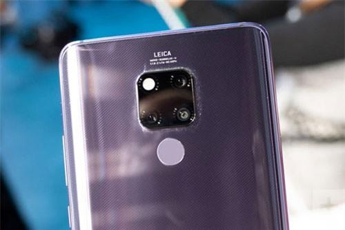 Huawei Mate 20 X (3 camera sau).